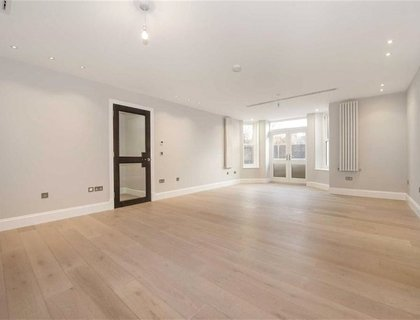 4 bedroom Apartment to rent in Arkwright Road-List24