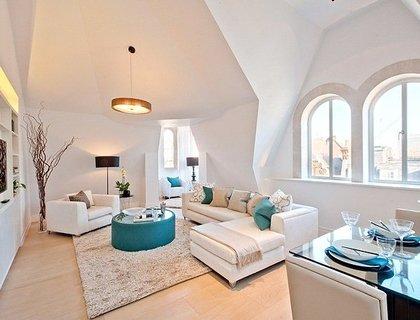 3 bedroom Apartment to rent in Green Street-List354