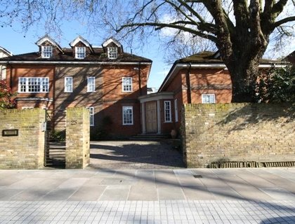 6 bedroom House to rent in Marlborough Place-List22